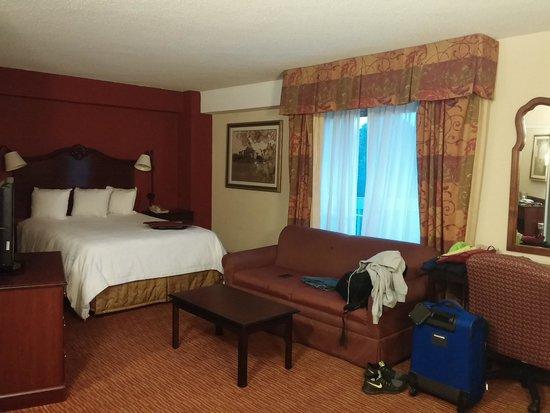 BEST WESTERN PLUS DC Hotel Largo FedEx Field : nice size corner queen room