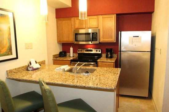 Residence Inn Memphis East : Kitchen