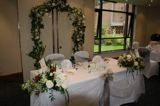 Holiday Inn London-Bexley: Flowers by Marion were Beautiful