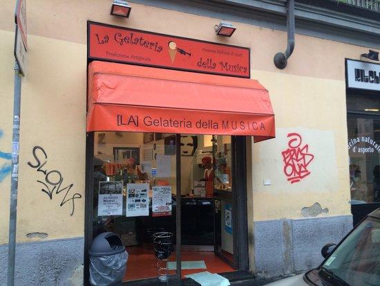 La Gelateria della Musica: Small hidden place with the best ice cream!