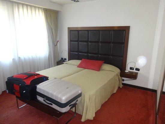 Athenaeum Hotel: Triple room