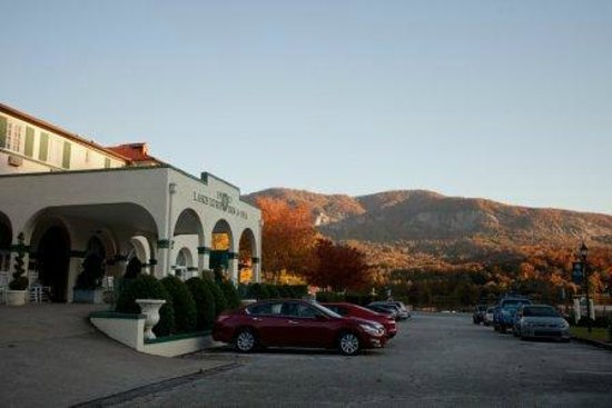 The 1927 Lake Lure Inn and Spa : Lake Lure in Fall