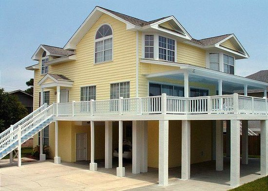 Tybee Cottages: 10 Center