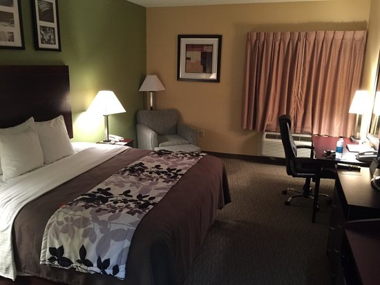 Sleep Inn & Suites: I had a very spacious, clean and comfortable room.