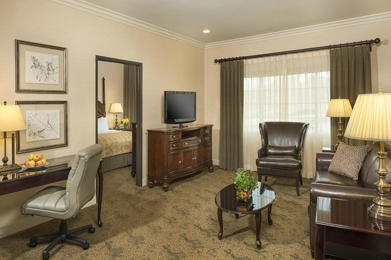 Ayres Suites Diamond Bar - King Suite