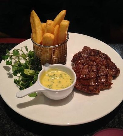 Crowne Plaza Hotel Birmingham NEC: The ribeye steak at The Grill - absolutely delicious !