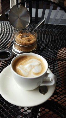 Erik's Gyros & International Deli: Riko cafe