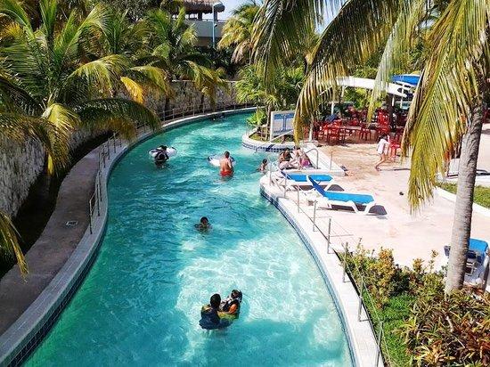 Wet'n Wild Cancun : Río lento