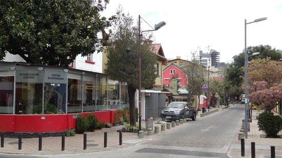 Street view of restaurant bild fr n achiote ecuador for Achiote ecuador cuisine