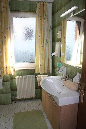 Hotel Savoy: Pretty bathroom