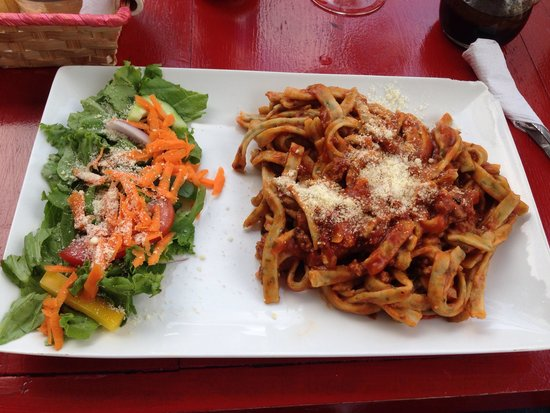 Gennarelli's Le Basta Pasta Colima : Carbonara o no recuerdo, pero riquísima.