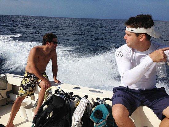 Cayman Marine Lab: Heading to dive site.