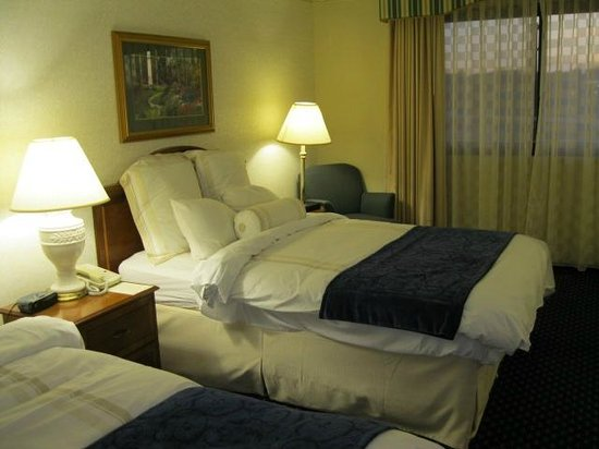 Madison Marriott West: Room interior - Large in size