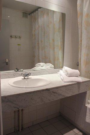 Chris'tel Hotel : salle de bains