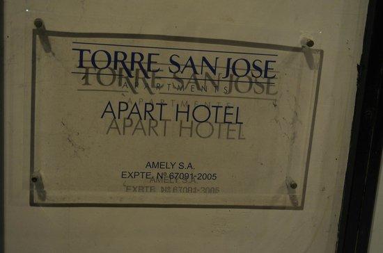 Torre San Jose Apartments: Placa del apart hotel