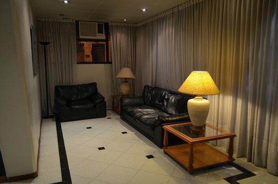 Torre San Jose Apartments: Recepción