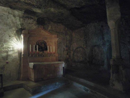 Stift St. Peter: Höhle in Katakomben