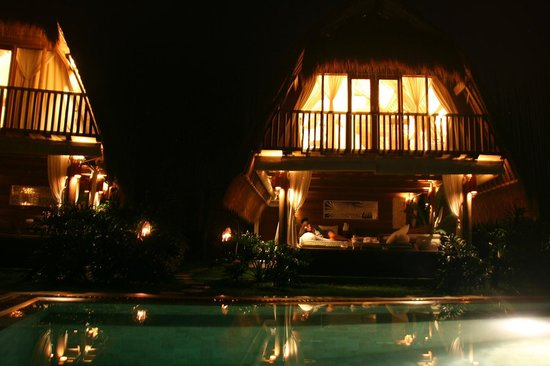 Sandat Glamping Tents: LUMBUNG BY NIGHT