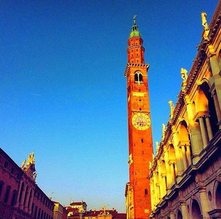 Vicenza, Italien: Campanile Basilica Palladiana