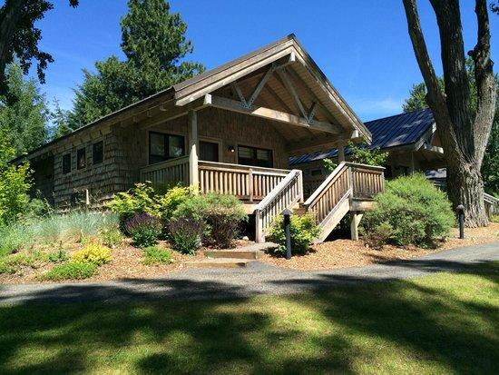 Sun Mountain Lodge: Lake side cabin