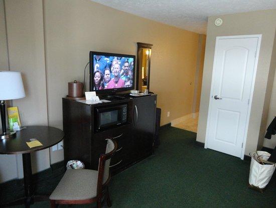 La Quinta Inn & Suites Seattle Downtown: Our room
