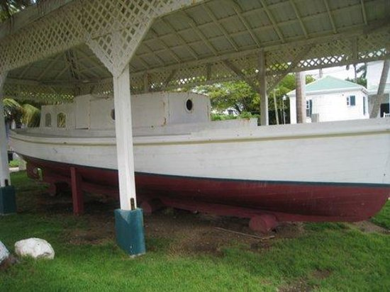 Government House : Baron Bliss boat