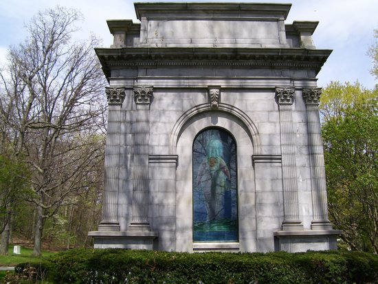 Oakwood Cemetery: and another