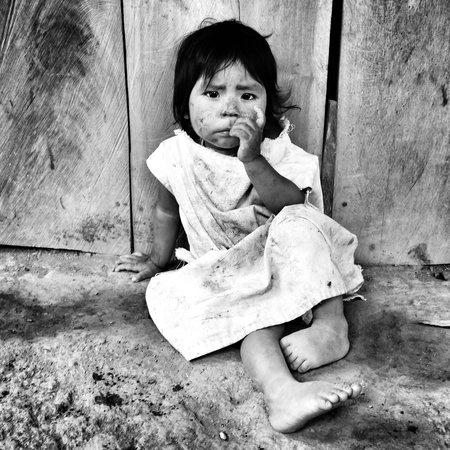 Ciudad Perdida: Genial ver como viven los indígenas: sin electricidad, agua corriente, ni conocen la escritura,.