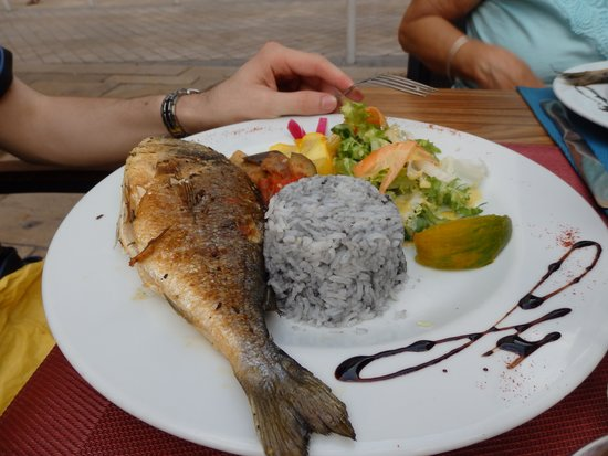 Les Têtes d'Ail : plat de poisson