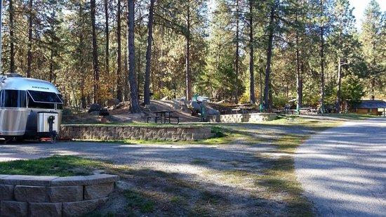 Leavenworth / Pine Village KOA: Large full hookups