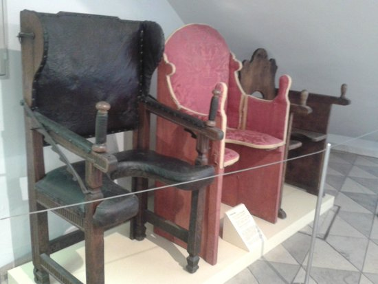 Deutsches Medizinhistorisches Museum Chaise Daccouchement