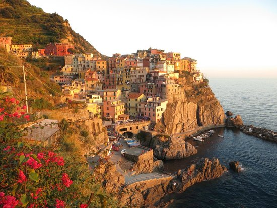 Cinque Terre Walk and Drink: Picture taken about 1 hour before sunset…beautiful location