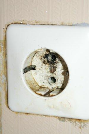 Yannis Apartments: Single Kitchen wall socket