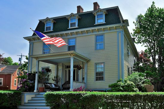 Photo of Yankee Peddler Inn Newport