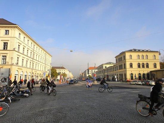 Odeonsplatz: 広場