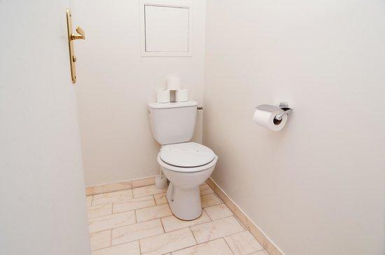 Dragon Saint Germain des Pres Apartments : toilets