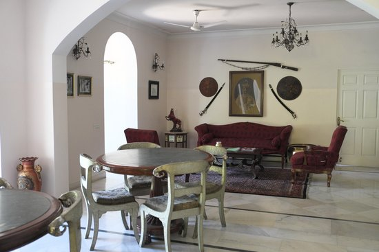 Barwara Kothi: Hall used for freakfast and dinner