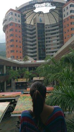 Hotel Spiwak Chipichape Cali: vista desde el centro comercial