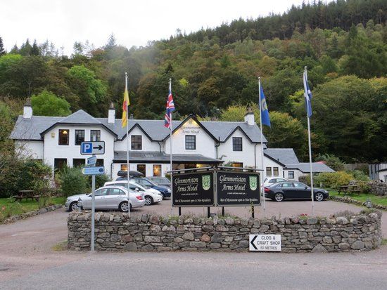 Glenmoriston Arms Hotel : View from road