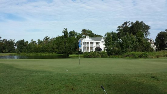 Celebration Golf Club : House by the green