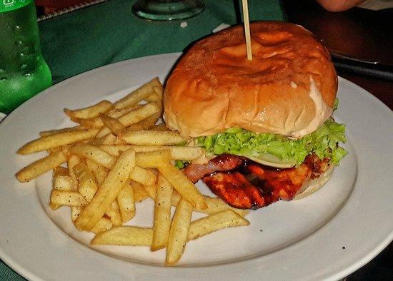 Honduras Restaurante chimbos grill : BBQ Chicken Burger!! 2 thumbs up