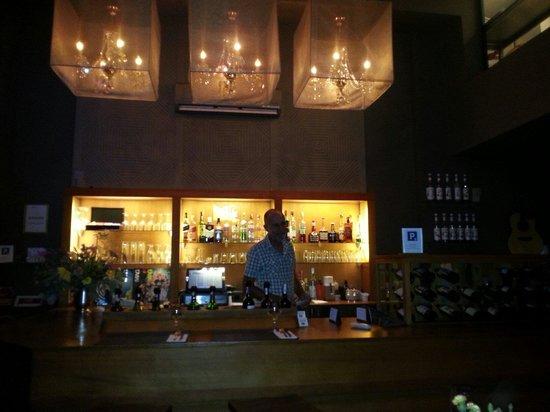 Restaurant Amaia : Eric at the Bar