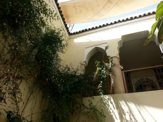 Riad El Youssoufi : cortile
