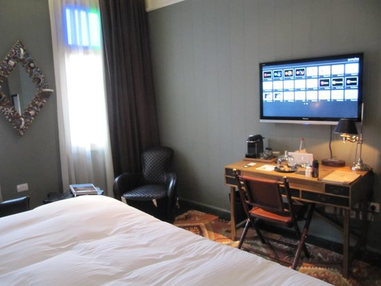 Alma Hotel & Lounge: the first room