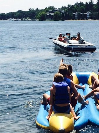 Madden's on Gull Lake: Noon Banana Boat ride