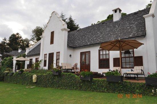 The Manor At Ngorongoro: Guest House Backyard