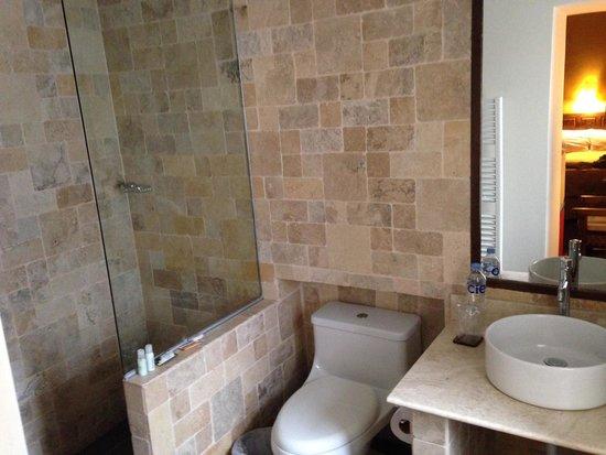 Tambo del Arriero Hotel Boutique: nice bathrooms