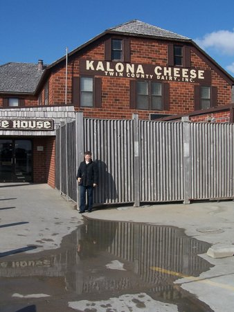 Kalona, IA: Cheese house