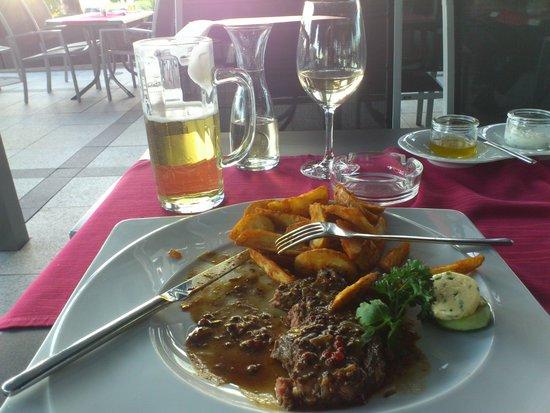 NOVINA Hotel Herzogenaurach: My food at the restaurant