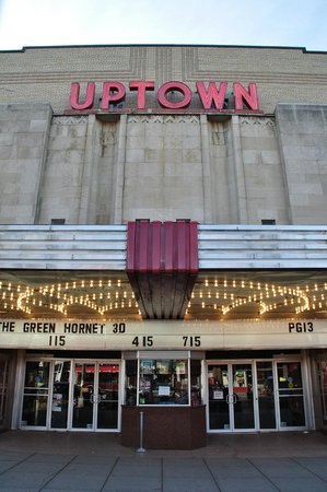 ‪Loews Uptown Theatre‬